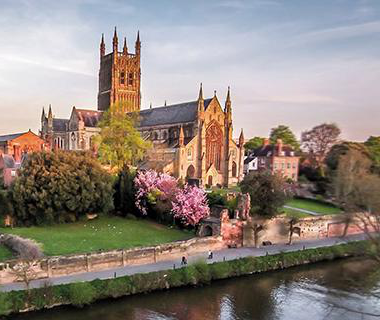 Worcester Cathedral viewed from the opposite side of 日e River Severn
